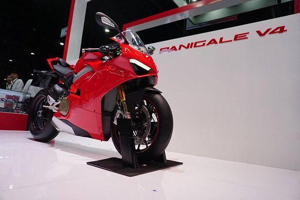 TIME2017: 2018 Ducati Panigale V4 เผยโฉมอย่างเป็นทางการในไทย เคาะราคาเริ่มที่ 9.49  แสนบาท