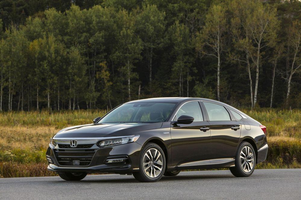 2018 Honda Accord Hybrid ราคาเริ่มต้นที่ 800,000 บาท( $25,100)
