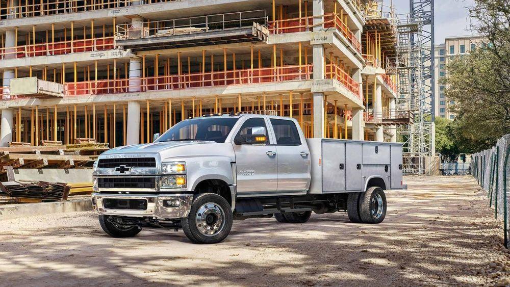 Chevrolet Chassis Trucks รุ่นใหม่เตรียมเปิดตัว พร้อมการดีไซน์โลโก้กระจังหน้าใหม่เพื่อการไหลเวียนอากาศที่ดีขึ้น