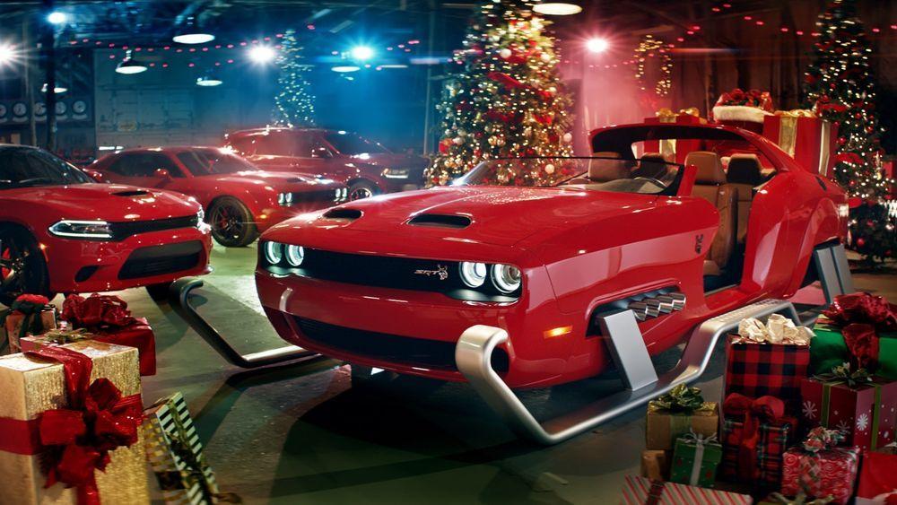 เอาของขวัญมาส่ง ซานตาครอสควบ Dodge Challenger SRT Hellcat Redeye Sleigh รับวันคริสมาสต์