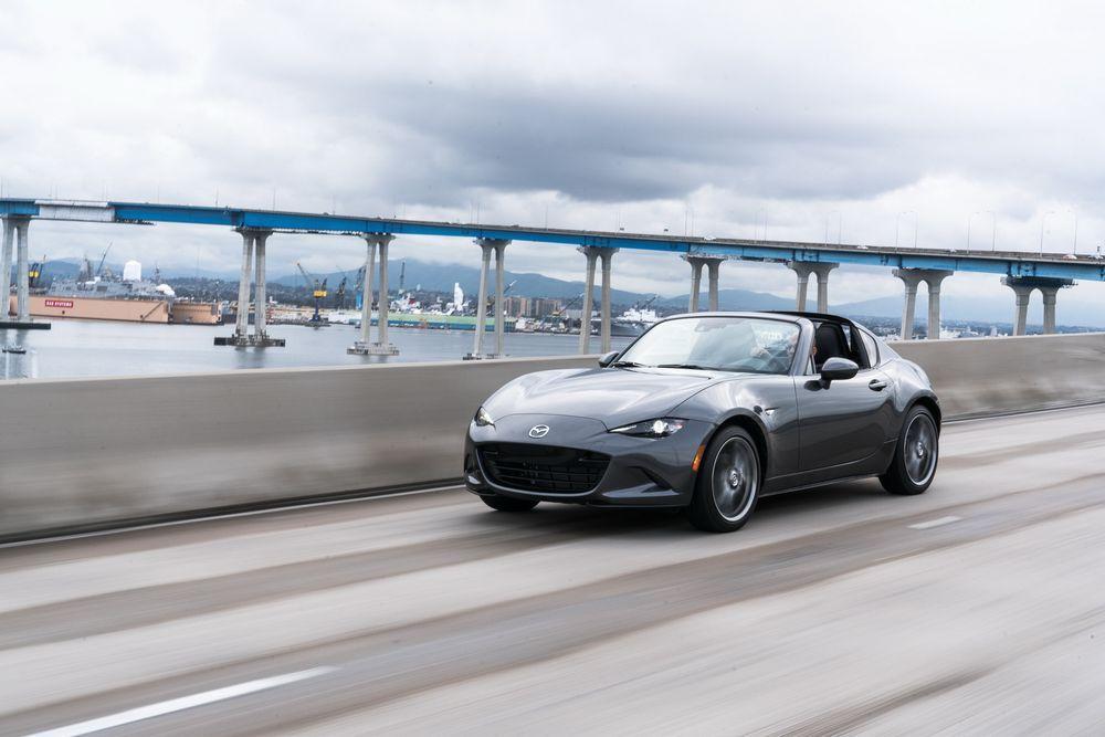 อันดับ 2.2019 Mazda MX-5 RF พร้อมเครื่องยนต์ปรับจูนใหม่ เริ่มต้น 1.1 ล้านบาท(ไม่รวมภาษีนำเข้า)