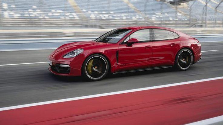 453 แรงม้า จาก 2019 Porsche Panamera GTS ใหม่ล่าสุด