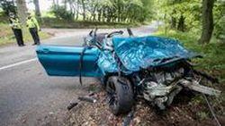[พร้อมคลิป] หนุ่มวัย 22 ควบ BMW M2 ด้วยความเร็วสูงชนต้นไม้ขาด 2 ท่อน อาการบาดเจ็บสาหัสที่สก๊อตแลนด์