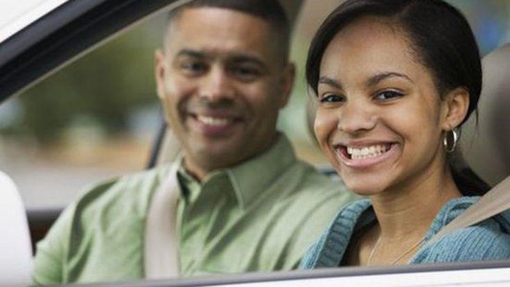 """4 พฤติกรรมที่ """"พ่อแม่"""" ไม่ควรทำขณะขับรถเพื่อป้องกันลูกเลียนแบบ"""