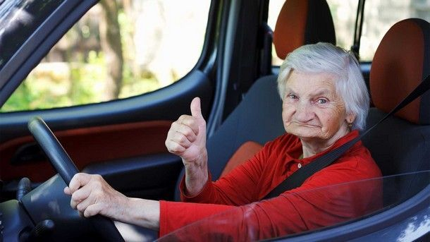 คุณยายชาวเบลเยี่ยมวัย 79 ถูกตำรวจจับหลัง ควบ Porsche Boxster GTS ที่ความเร็ว 238 กม./ชม.