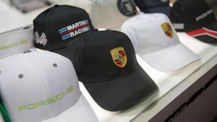 เอเอเอสฯ ผู้นำเข้าและตัวแทนจำหน่ายรถยนต์ปอร์เช่ คว้ารางวัล  Porsche Service  Excellence Award ประจำปี 2015