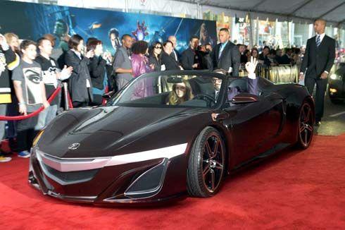 Acura NSX Roadster รถคู่กายพระเอก The Avengers อวดโฉมในการเปิดตัวภาพยนตร์
