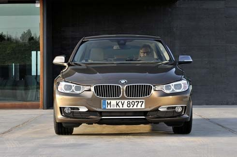 คลิปวิดีโอ BMW 3-Series 2012 ซีดานหรูโฉมใหม่ ทั้งภายในและภายนอก รวม 10 คลิป