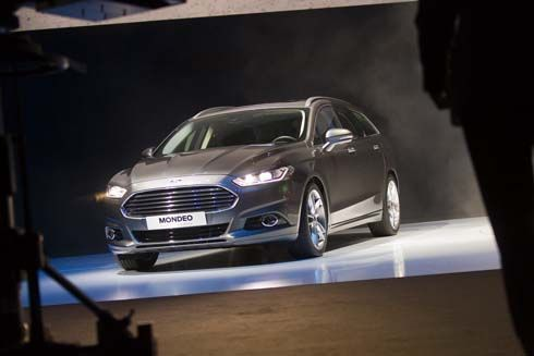 เปิดภาพ All-New Ford Mondeo Wagon และ Liftback 5 ประตู รุ่นปี 2013
