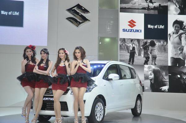 "Suzuki อวด MPV 3 แถว 7 ที่นั่ง ""ALL NEW SUZUKI ERTIGA"" มอบสิทธิพิเศษในงานมอเตอร์โชว์ 2556 คาดยอดจองรวมทะลุ 2,000 คัน"