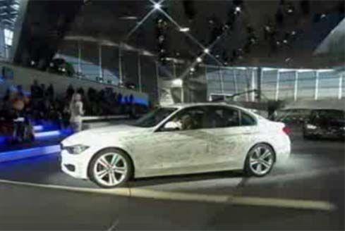ภาพ BMW 3-Series F30 รุ่นปี 2012 เจนเนอเรชั่นที่ 6 ผ่านการถ่ายทอดสดผ่านอินเตอร์เน็ต