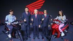 เอ. พี. ฮอนด้า แชมป์ตลาดรถจักรยานยนต์ไทย 30 ปีติดต่อกัน ประเดิมเปิดตัวรถใหม่ 4 รุ่น รับปีหมูทอง