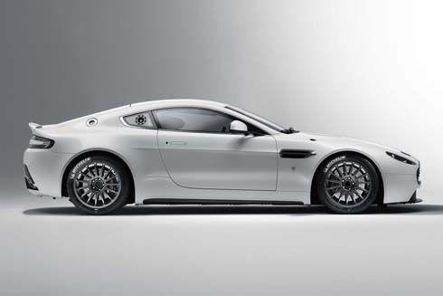 Aston Martin เปิดตัว GT4 ไมเนอร์เชนจ์ 2011 ปรับแต่งทั้งตัว พร้อมส่งลงทำศึกปีหน้า