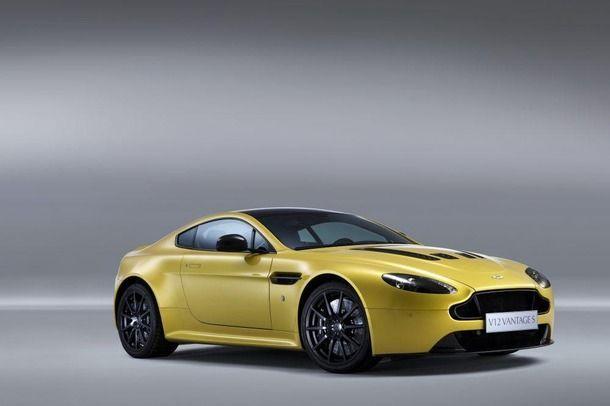 ชม Aston Martin V12 Vantage S โชว์พลัง 573 แรงม้าในสนามซิลเวอร์สโตน