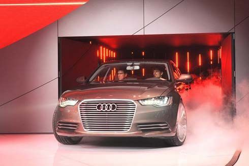 Audi A6 L e-tron Concept ซีดานหรูระบบไฮบริด เปิดตัวในงาน Auto China Show