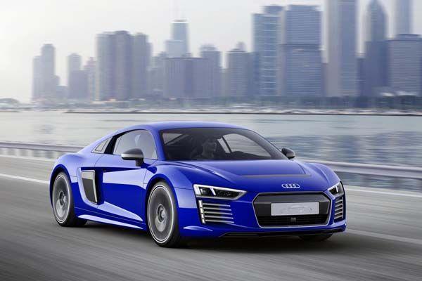 Audi R8 e-tron piloted driving concept โลดแล่นอัตโนมัติได้ไกล 450 กม.