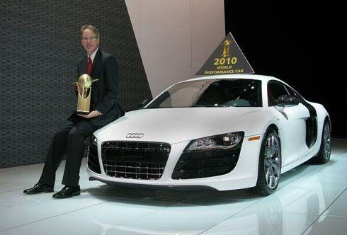 Audi R8 V10 คว้ารางวัล World Performance Car of the Year ปี 2010 ที่ New York Auto Show
