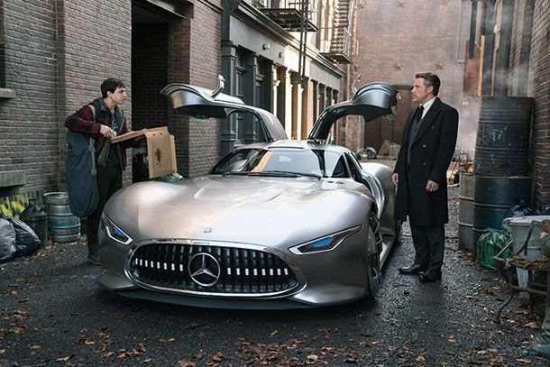 """""""แบตแมน"""" เลือกใช้รถต้นแบบ Mercedes-Benz เป็นยานพาหนะคู่ใจ"""