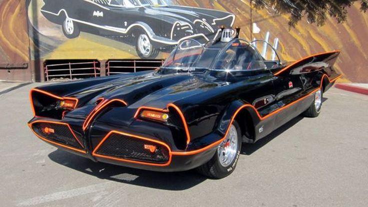 รถฮีโร่ Batmobile ของแท้ดั้งเดิมปี 1966 เคาะประมูลมหาศาล 136 ล้านบาท