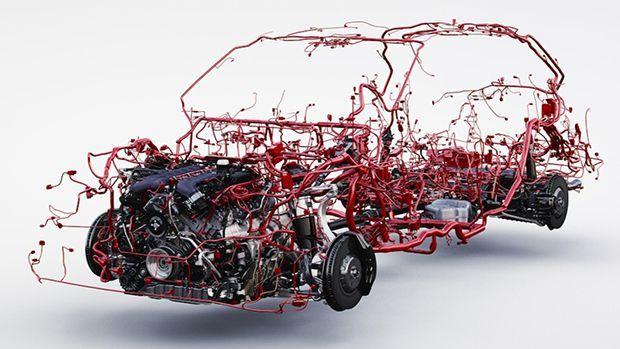 Bentley โชว์โครงสร้างสายไฟอันซับซ้อนในรถ Bentayga