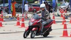 [BIMS2014]  รีวิว ทดสอบ Yamaha Tricity  รถจักรยานยนต์แนวใหม่แบบ 3 ล้อ  กลุ่มแรกในโลก