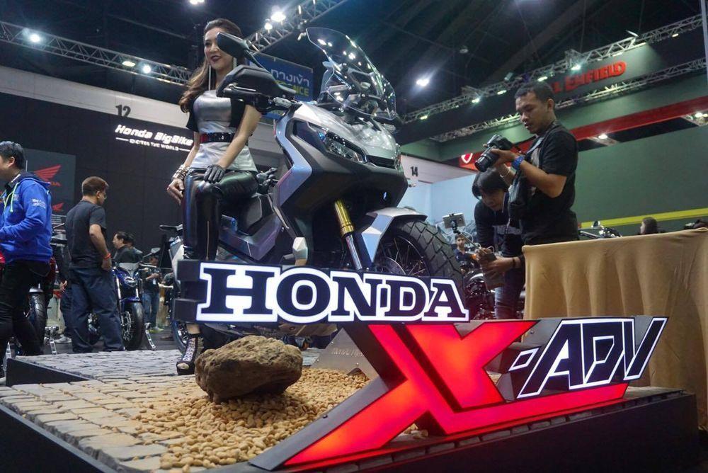 [BIMS2017] Honda X-ADV สกู๊ตเตอร์สายลุยไม่คุยเยอะเคาะราคาที่ 4.15 แสนบาท