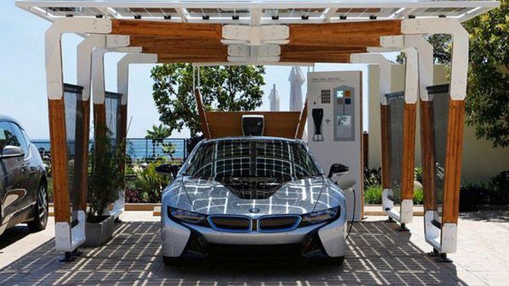 """BMW อวดโฉมที่จอดพลังแสงอาทิตย์สำหรับรถตระกูล """"i"""" ดีไซน์สวย เพื่อพลังงานสะอาด"""