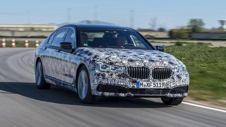 BMW ปล่อยทีเซอร์ 7-Series เจนเนอเรชั่นใหม่ใช้ระบบจอดอัตโนมัติควบคุมด้วยรีโมท
