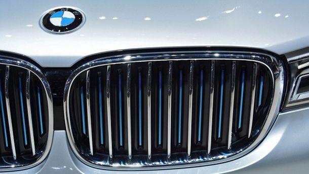 BMW ยกเลิกแผนการพัฒนาซูเปอร์คาร์บนพื้นฐาน McLaren