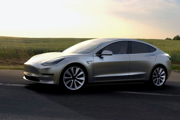 ผู้บริหาร BMW เอ่ยปากชม Tesla ทำให้ตลาดรถยนต์มีคุณภาพมากขึ้น