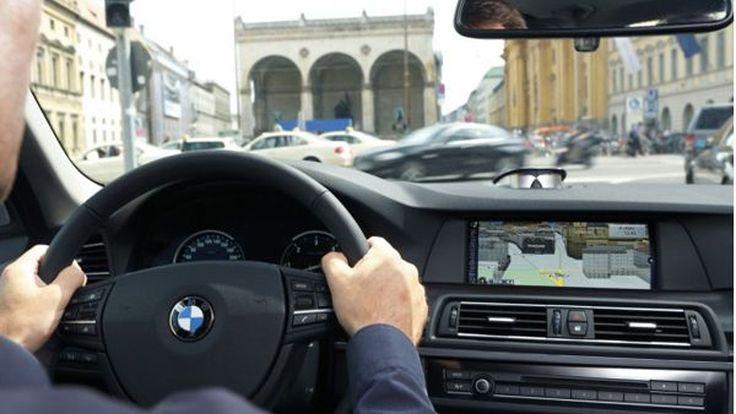 BMW จับมือ Harman พัฒนาระบบเชื่อมต่อ แปลงโฉมรถยนต์ให้กลายเป็นออฟฟิศเคลื่อนที่