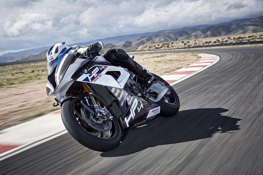 เครื่องยนต์ BMW HP4 Race มีระยะการใช้งานแค่ 5,000 กม. เท่านั้น