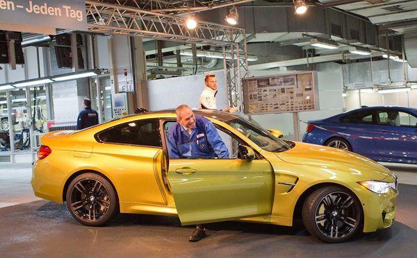 มาแล้ว BMW M4 สปอร์ตคูเป้คันแรกออกจากสายการผลิต