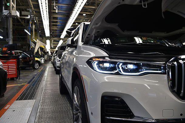 BMW แย้มภาพ X7 รุ่นพรีโปรดักชั่นออกจากสายการผลิต