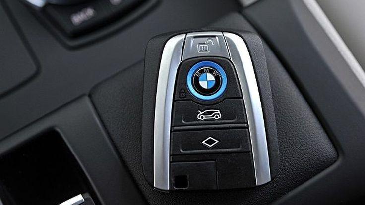 บีเอ็มดับเบิลยูประกาศเตรียมนำรถใหม่ 10 รุ่นปีนี้ พร้อมโวเพิ่มไลน์ผลิตดันยอดขายเติบโตปีที่ผ่านมา