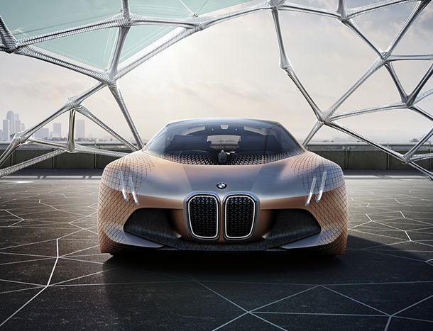 BMW ยืนยันรถขับขี่อัตโนมัติจะต้องมีพวงมาลัยและแป้นคันเร่ง-เบรก