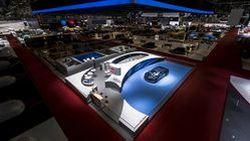 เก็บตกเจนีวา มอเตอร์โชว์ บูธ Bugatti คว้ารางวัลออกแบบยอดเยี่ยม