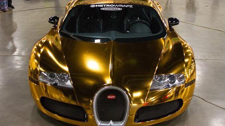 หมดสภาพไฮเปอร์คาร์ Bugatti Veyron หุ้มตัวถังสีทองอร่าม