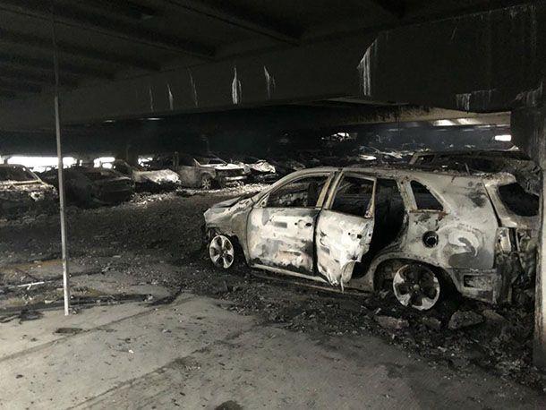 เพลิงวินาศ! เผาผลาญรถยนต์ 1,4000 คันในอังกฤษ