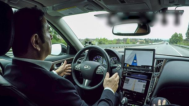 [Video] Carlos Ghosn ทดสอบรถขับขี่อัตโนมัติบนถนนจริงครั้งแรก