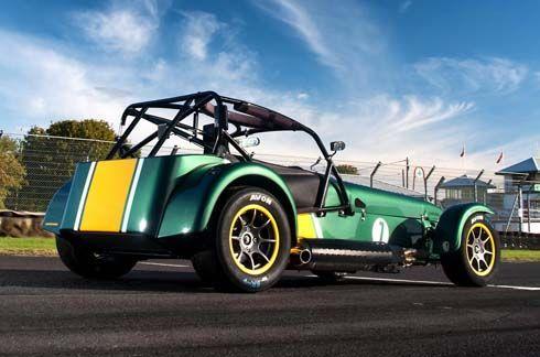 Caterham Seven Superlight R600 รถสปอร์ตน้ำหนักเบารุ่นใหม่ล่าสุด