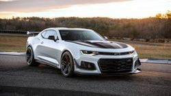 Chevrolet Camaro ZL1 ซีรีส์ใหม่ รีดน้ำหนัก พร้อมหน้าตาที่ดุดันก้าวร้าวมากยิ่งขึ้น