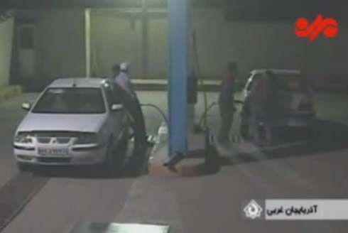 ยังไม่ถึงฆาต! นำรถเข้าปั๊มเพื่อเติมแก๊ส CNG แต่อยู่ๆก็ระเบิดขึ้นมาเองซะงั้น