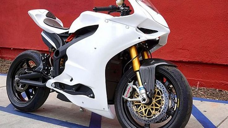จะเป็นอย่างไรถ้า Ducati Panigale ขับเคลื่อนด้วยไฟฟ้า ?