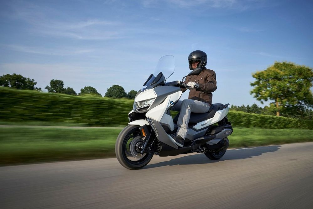 [EICMA] เปิดตัว BMW C400GT ทัวร์ริ่งสกู๊ตเตอร์รุ่นใหม่ล่าสุดจากค่ายใบพัดสีฟ้า