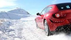 Ferrari ปล่อยภาพ FF ลั้นลาเริงร่าบนหิมะ ก่อนเปิดตัวที่ Geneva Motor Show