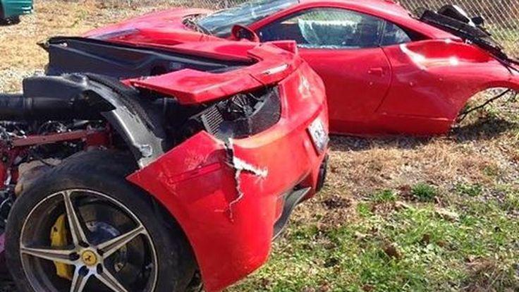 สยอง! พนักงานบริษัทขนส่ง แอบลองขับรถ Ferrari 458 Italia พลาดชนขาดสองท่อน