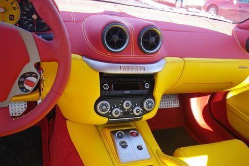 รถของแมคโดนัลด์? Ferrari 559 GTB Fiarano มาพร้อมห้องโดยสารสีแดง-เหลือง