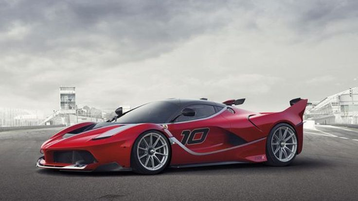 ชมคลิปกันเต็มตา Ferrari FXX K วาดลวดลายในสนามยาส มาริน่า