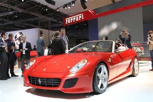 Ferrari SA Aperta ตัวจริงสวยจริง ดาวเด่นในงาน Paris Motor Show ขายเรียบทั้ง 80 คัน